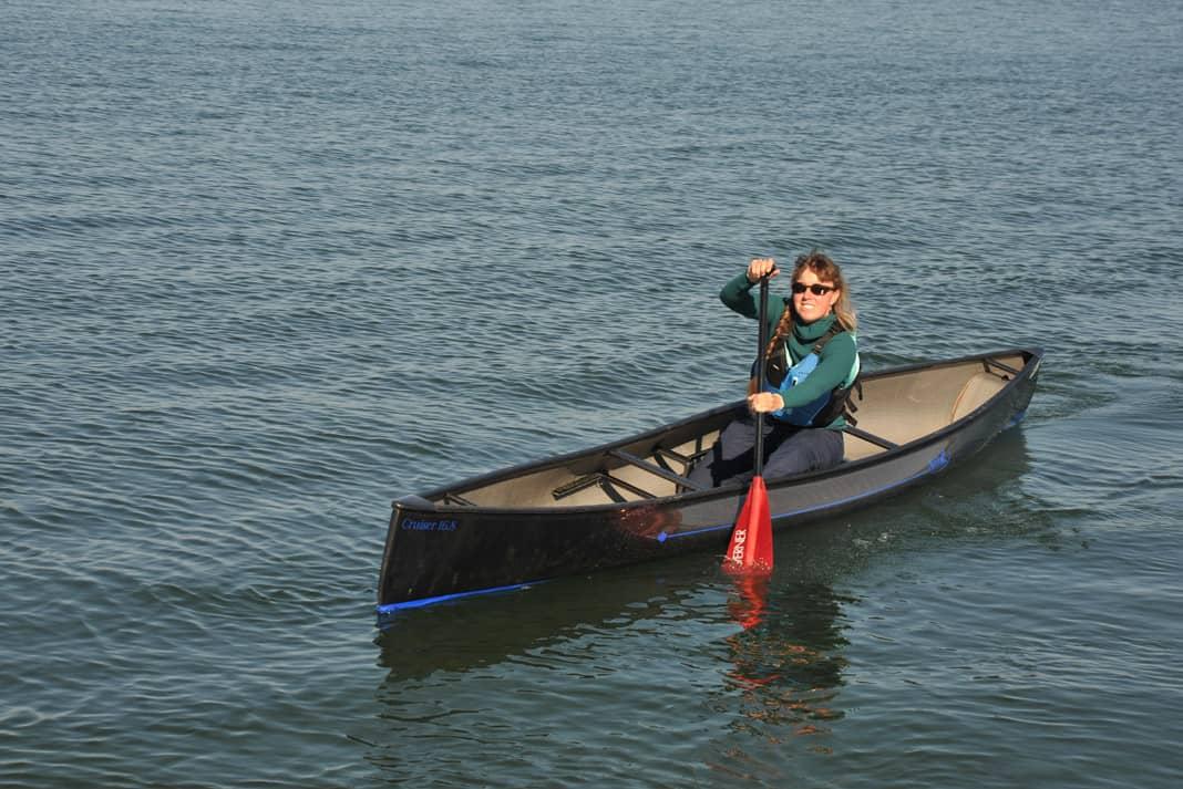 Boat Review: Swift Canoe's Cruiser 16.8 Solo Canoe ...