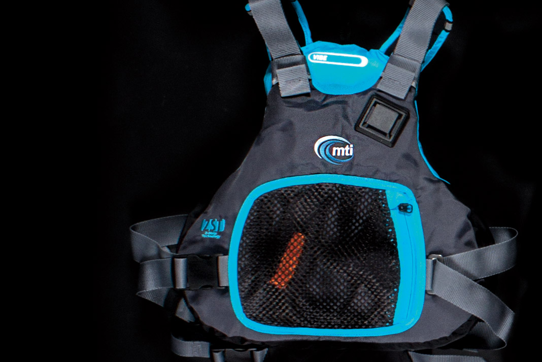 blue and black life jacket