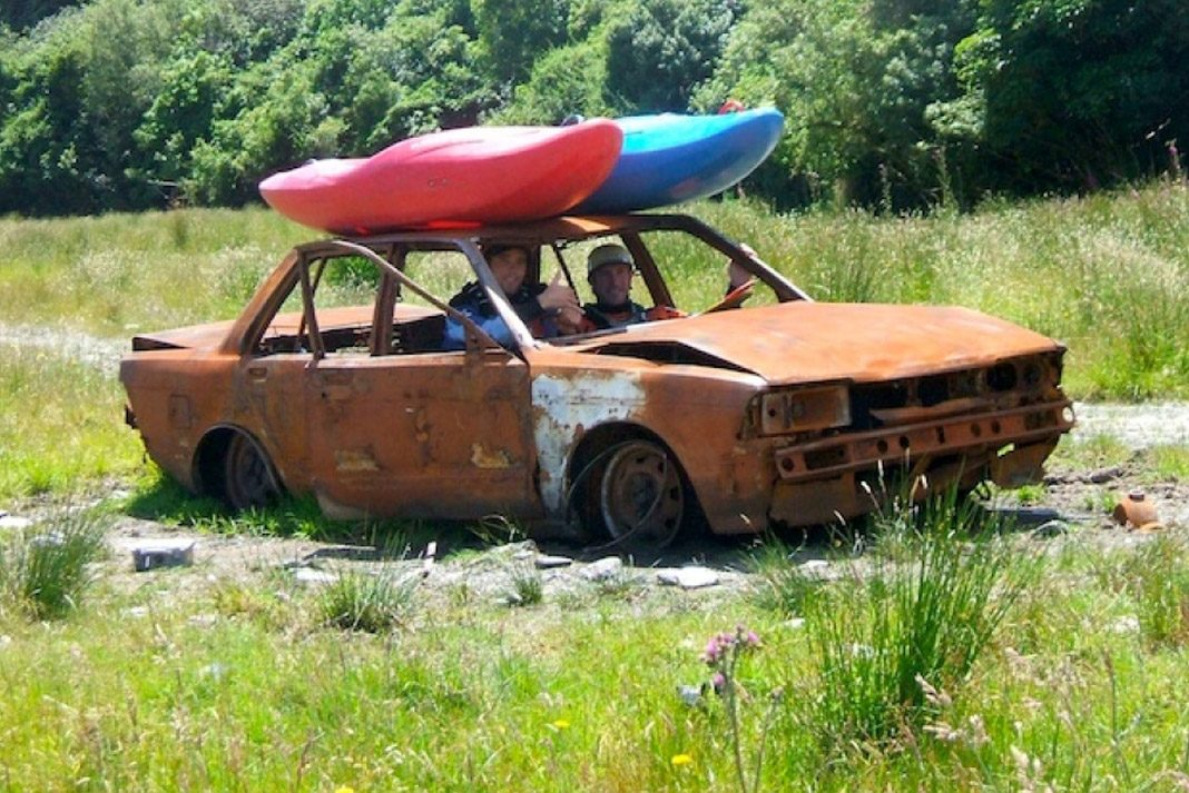 How To Buy A Used Kayak: Everything You Need To Know - Paddling