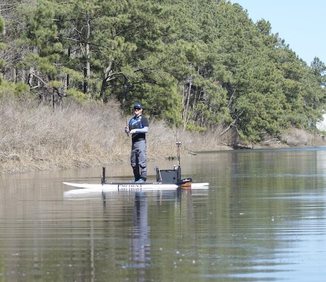 Carbon fiber and fiberglass combine for light, tough SUP paddle. Photo: Ric Burnley