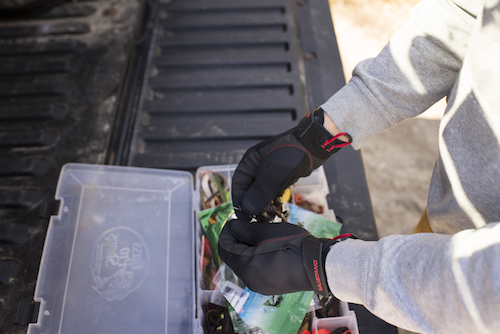 The Mustang Survival Traction Gloves don't affect your dexterity for rigging.