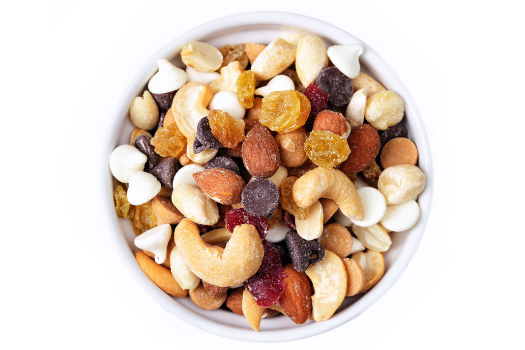 Q: Why can't you be friends with bags of trail mix? A: They drive everyone nuts.| Photo: istockphoto.com/dlinca