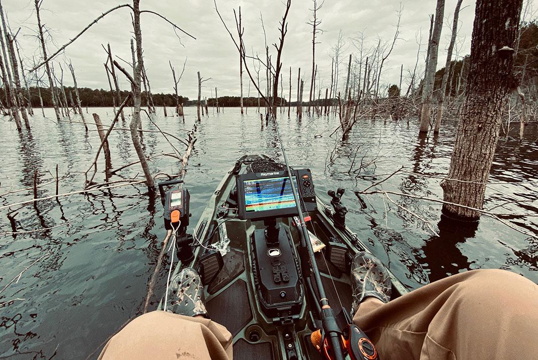 fish finder mounted on a fishing kayak